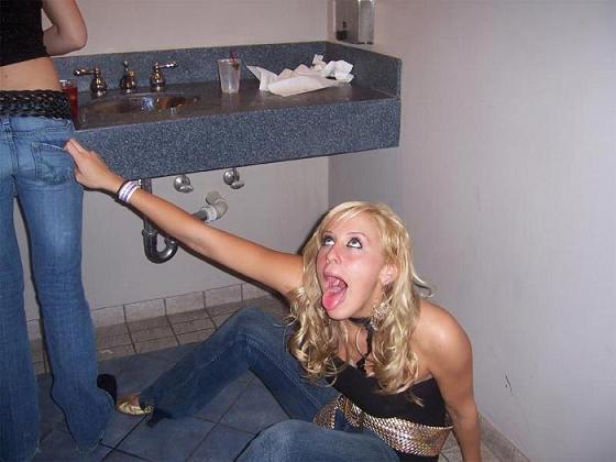 20060721214054-blondep.jpg